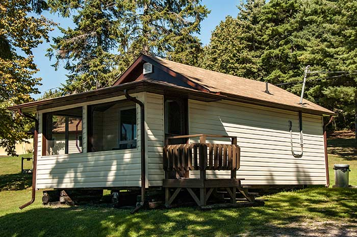 Cottage 8  - One Bedrooms - Sleeps 2 people - Moonlight Bay Cottages, fishing adventures in the heart of Northern Ontario