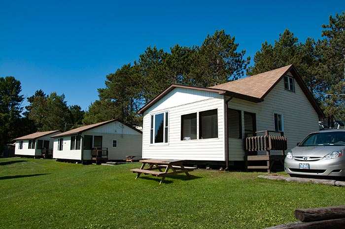 Cottage 6 - Three Bedrooms - Sleeps 6 people - Moonlight Bay Cottages, at the heart of the French River, Ontario